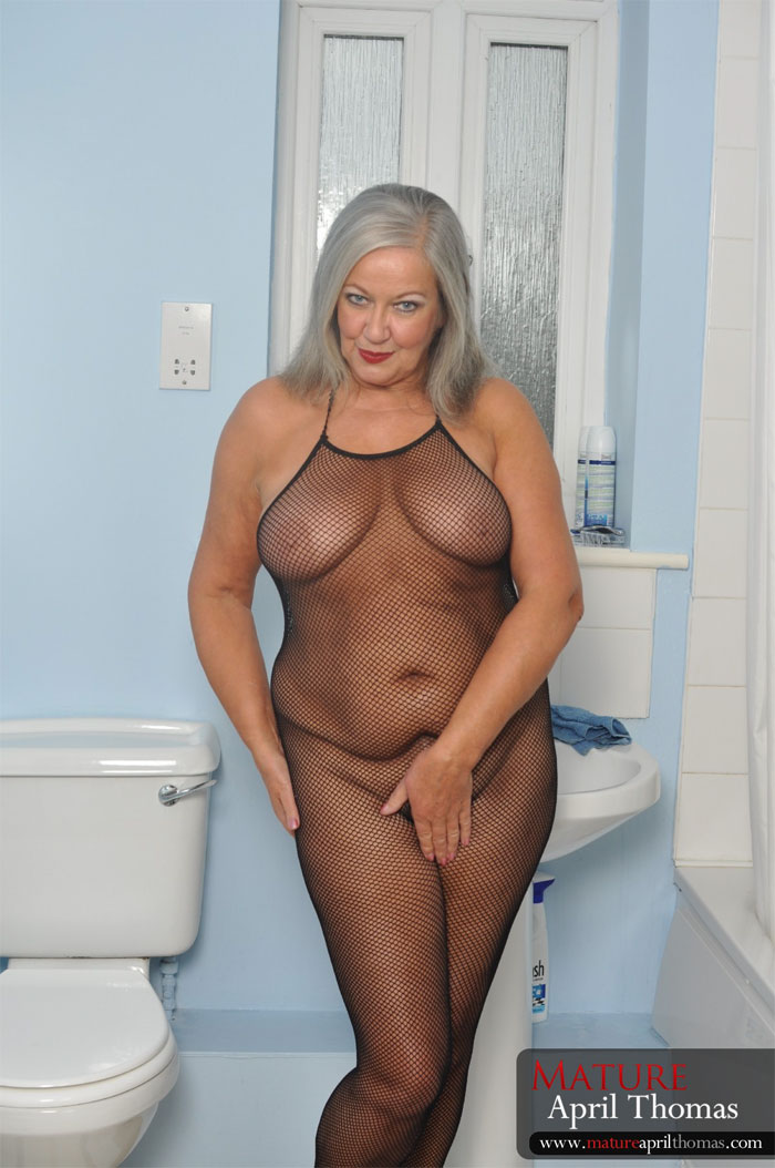 British savanah gold in boots in another ffm threesome 9